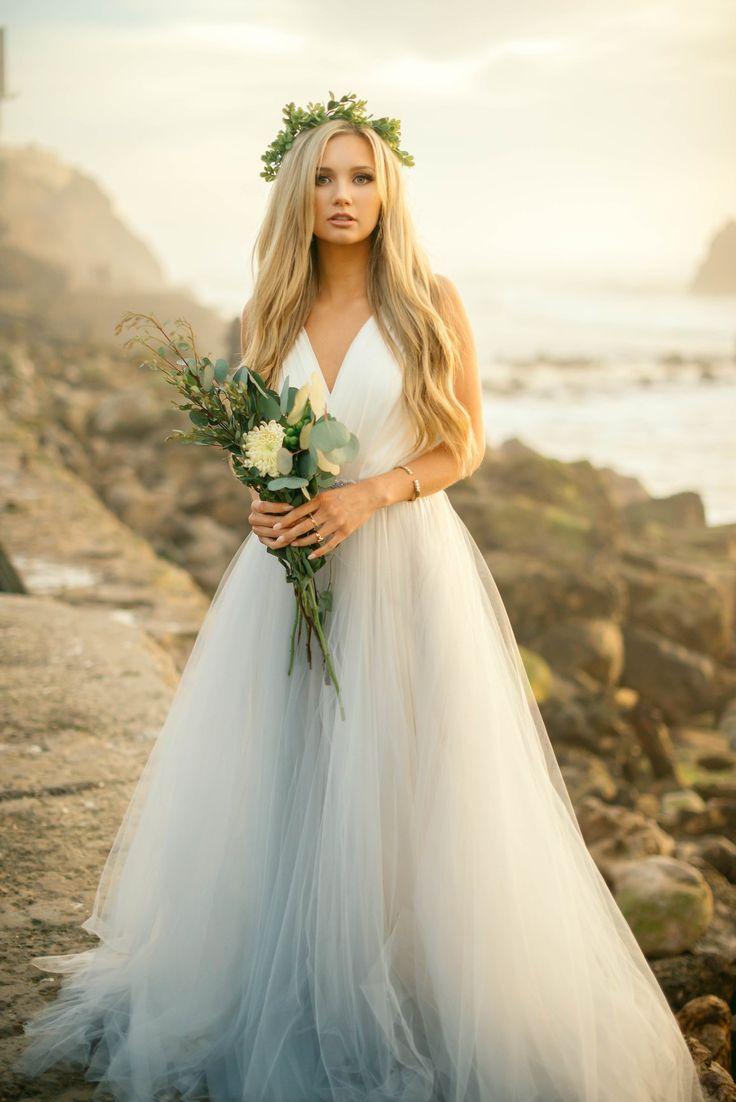 explore blonde wedding hairstyles