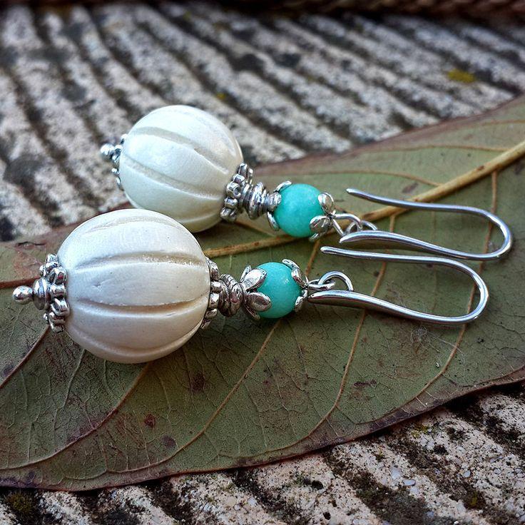 Купить Посеребренные серьги с аквамарином и белым деревом Зефир и мята - аквамариновые серьги, серьги аквамариновые