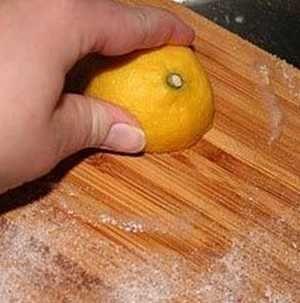 Tegyél citromot a vágódeszkára