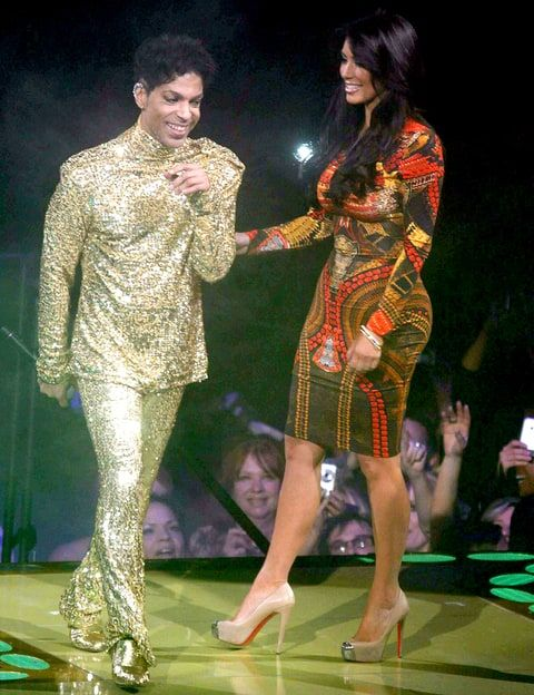 A 2011 video resurfaces featuring Prince telling Kim Kardashian to get off the stage -- watch clip here!