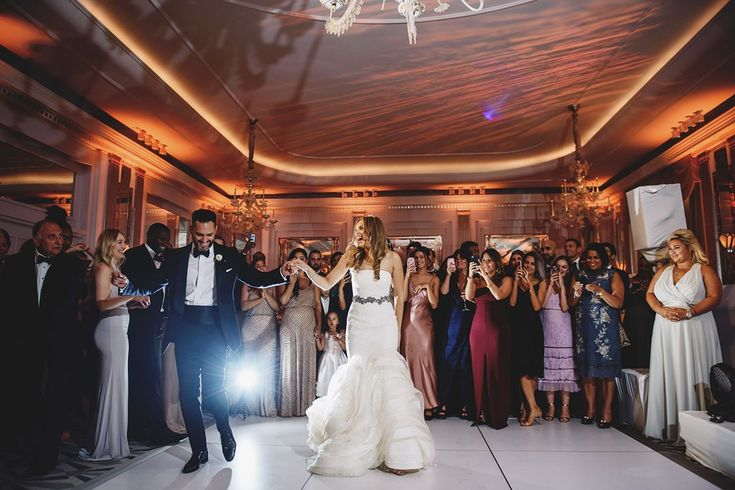 75 Of The Best First Dance Songs Of All Time    (Bridesmagazine.co.uk) (BridesMagazine.co.uk)