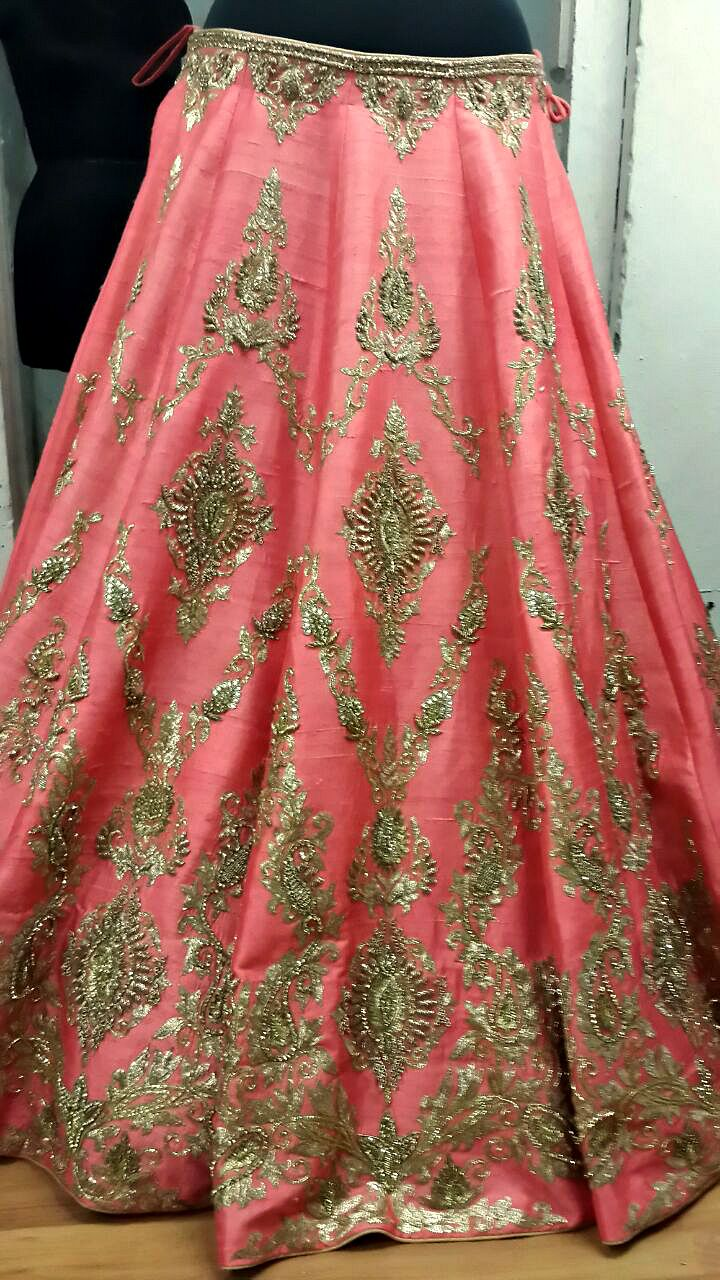Gorgeous pink and gold bridal lehenga. Indian bridal fashion. Pinned from: For replica mail to zifaafstudio@gmail.com or visit www.zifaaf.com