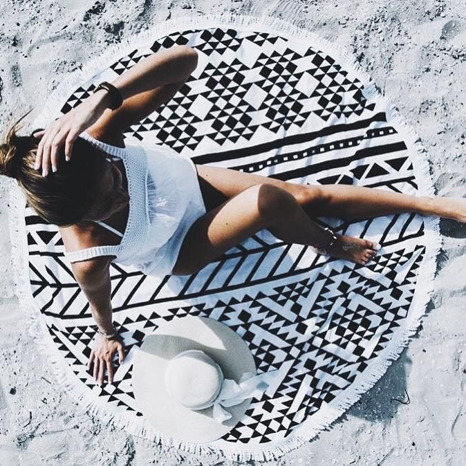 Soaking up the sun on our Aztec #thebeachpeople // via @bydavina