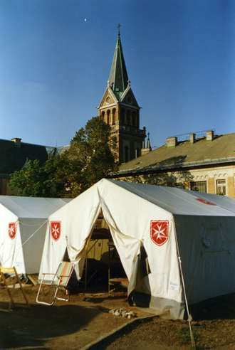 Il campo dei rifugiati dalla Germania Est nel 1989 presso la chiesa di Ziziglet - Ungheria