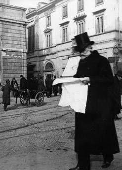 Guiseppe Verdi outside La Scala. (?)  LVMH acquista storica pasticceria Cova - Economia - ANSA.it