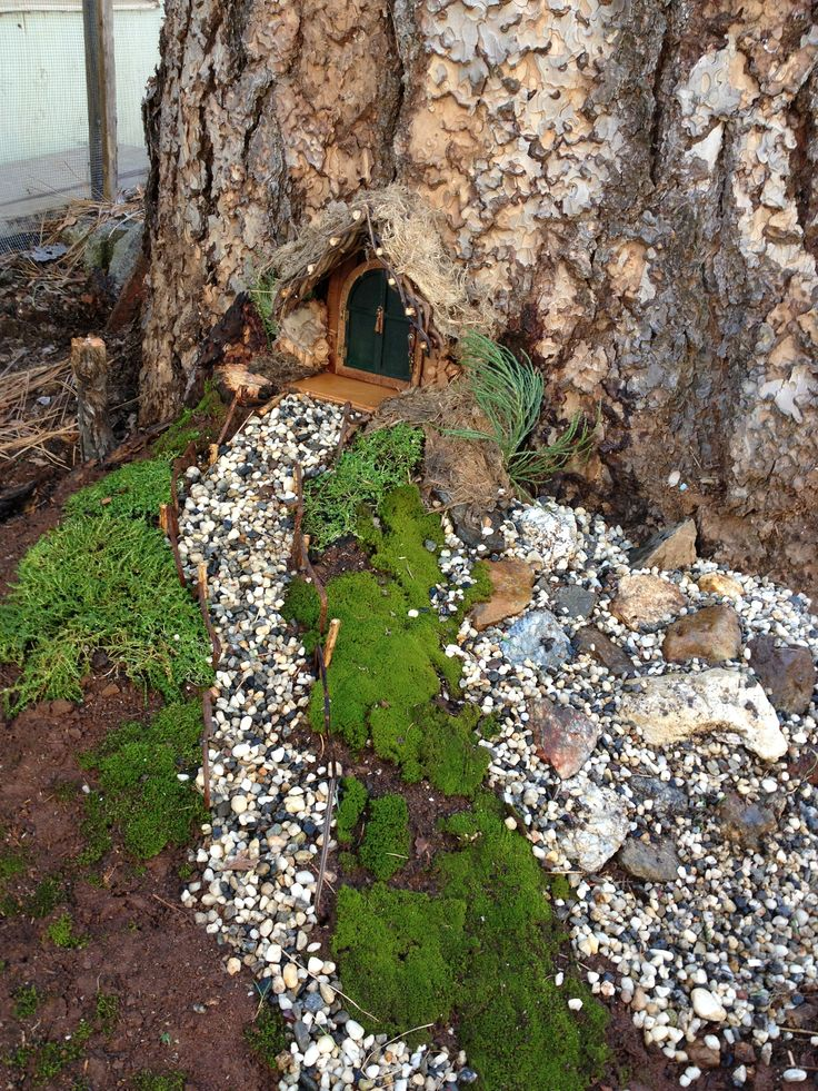 17 best images about fairy garden on pinterest fairy for Fairy doors for trees