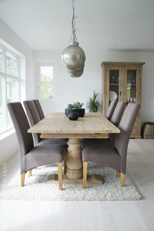 Møbler: Serien heter Nimes og du finner møblene hos Skeidar :)