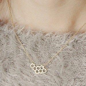 honeycomb+necklace+lifestyle+shot