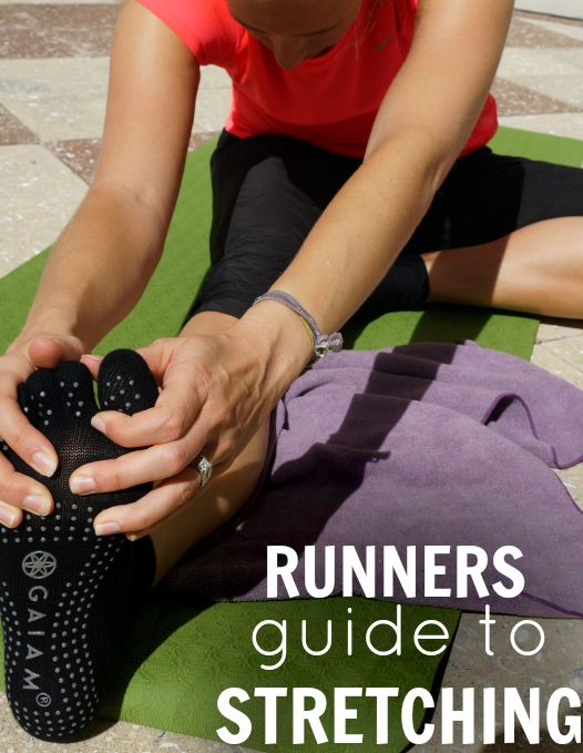 A runners guide to the best post run stretches for IT Band and hips via @runtothefinish