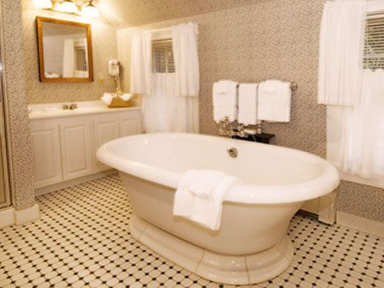 The Best White House Images On Pinterest White Homes White - How many bathrooms are in the white house