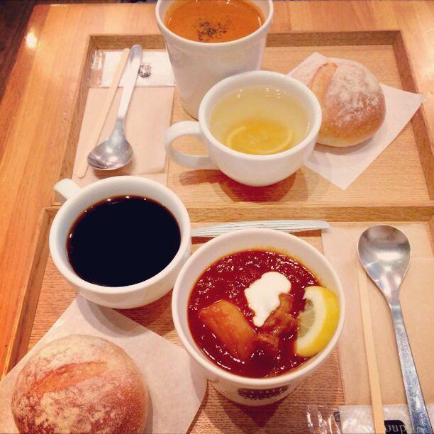スープストックで東京ボルシチ