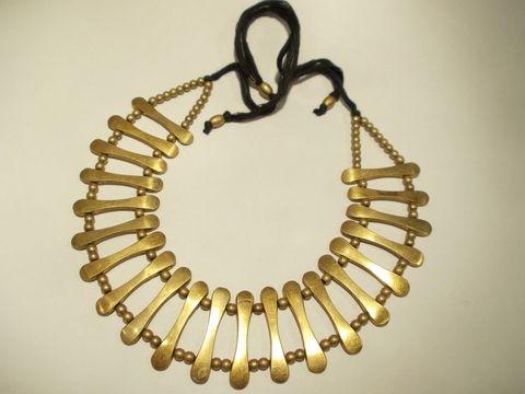 Collana in ottone con elementi tradizionali dei tribù Naga in India, Artigianato originale. Gioielli da indossare sempre, per occasioni importanti o tempo libero.