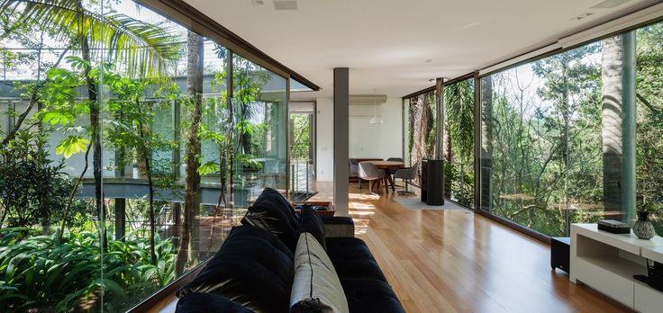 Gallery of LLM House / Obra Arquitetos - 10