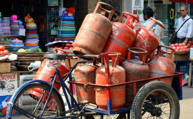 Subsidised LPG Price Hiked By Rs. 5.5 A Cylinder, Aviation Fuel Cut By 5% - NDTV