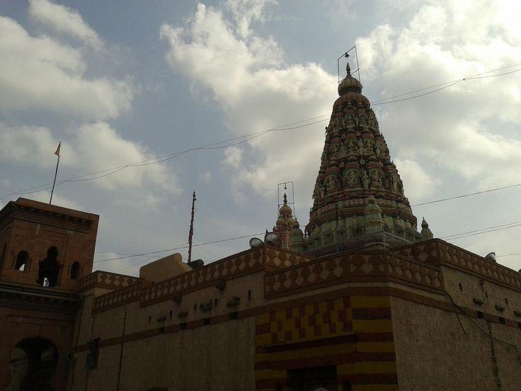 Shri Vitthal Rukmini Temple - the left dome is of the Vitthal temple & the right dome is of the Rukmini temple. It's probably theonly temple in India where you can touchthe God's feet. माऊलीचे चरण स्पर्श करताच पूर्ण जीवनाचे सार्थक झाले। जय हरी विठ्ठल, पंढरीनाथ महाराज की जय॥ - 31 December, 2012