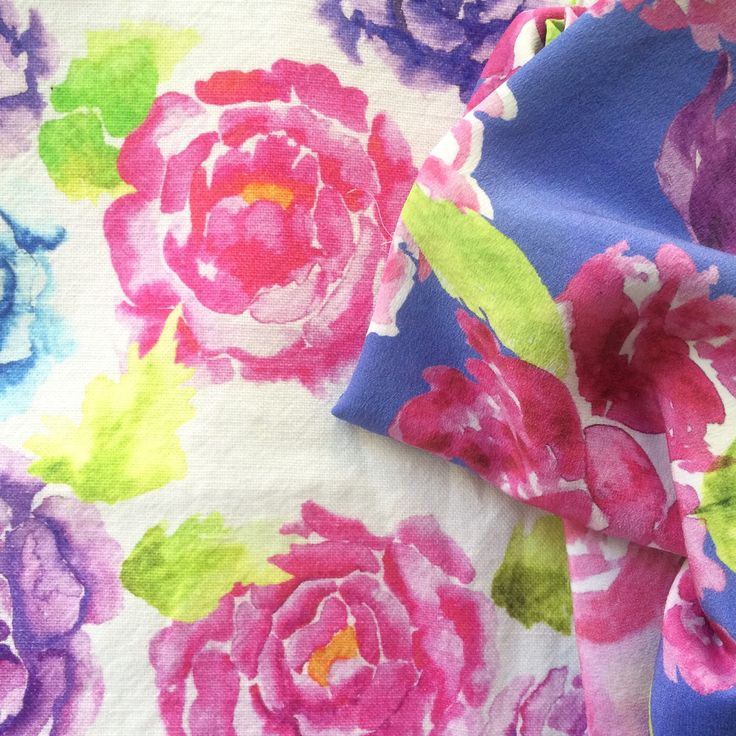 A little floral cheer for your Monday evening from Jessica Fiore Textile Design, printed on our Fife linen & Crep de Chine. :)