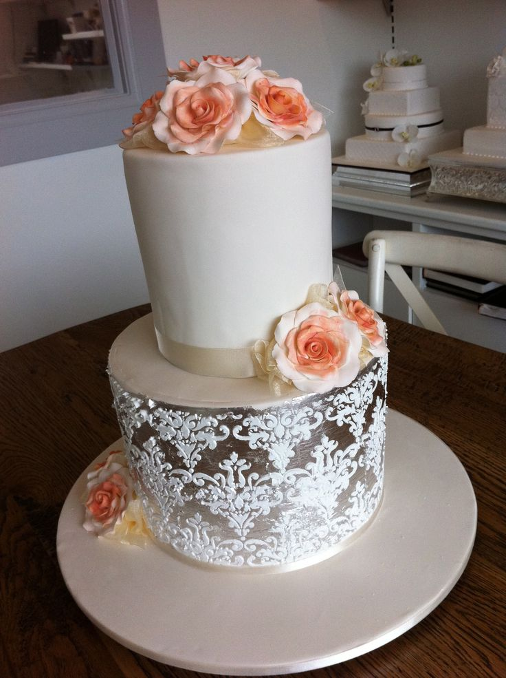elegant metallic design - Sweet Designs by Claire #wedding #cake #love #specialoccasion #perfectday #weddingcake #elegant #metallic
