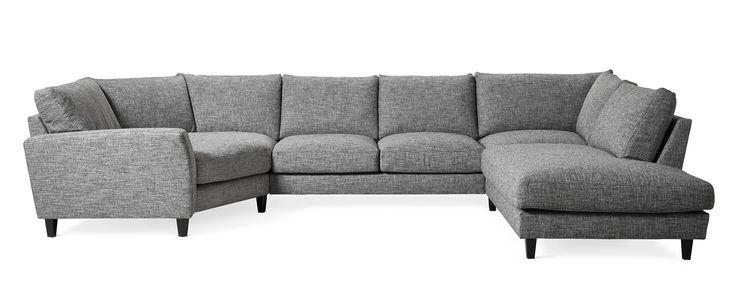 Hudson är en avslappnad 2 sits soffa med cosyhörn och divan i lyxig tappning. Den har en mjuk och skön komfort med fjäderblandning i plymåerna. Divanen går att få till höger eller till vänster. Hudson är en soffa med många valmöjligheter. Du kan välja mellan tre olika armstöd och ett antal olika ben med flera placerings alternativ. Den går att få i en mängd olika tyger och färger. Hudson finns i ett antal kombinationer så att du ska hitta en soffa som passar i ditt hem.