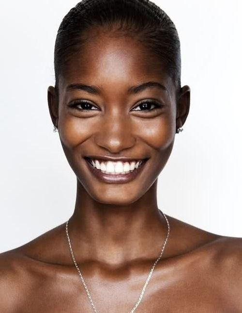 Astuces beauté pour un sourire éclatant http://urbangirl-beaute.fr/joli-sourire/