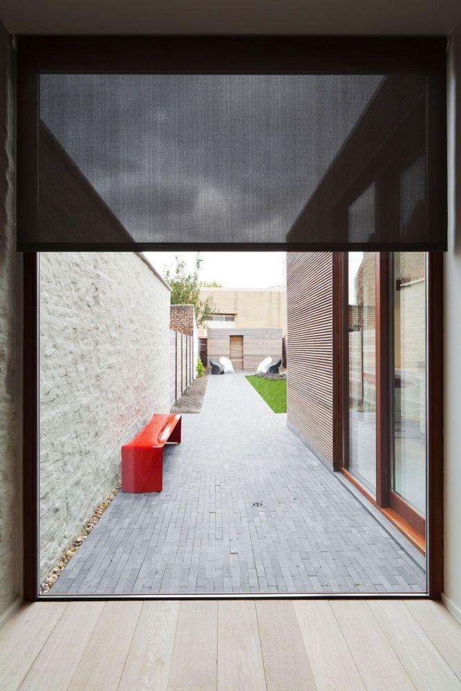 zie blinds, in combinatie met houten vloer, raam tot op de grond, tuinterras en…