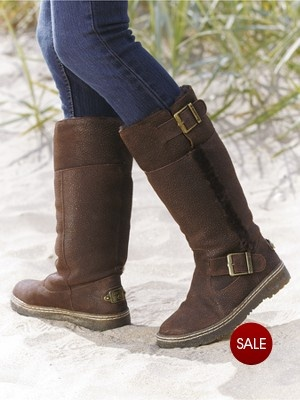 .bearpaw boots <3