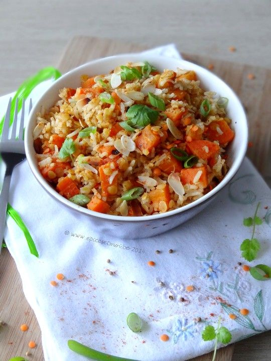 Salade chaude de riz, lentilles et carottes aux épices #recette #salade #facile