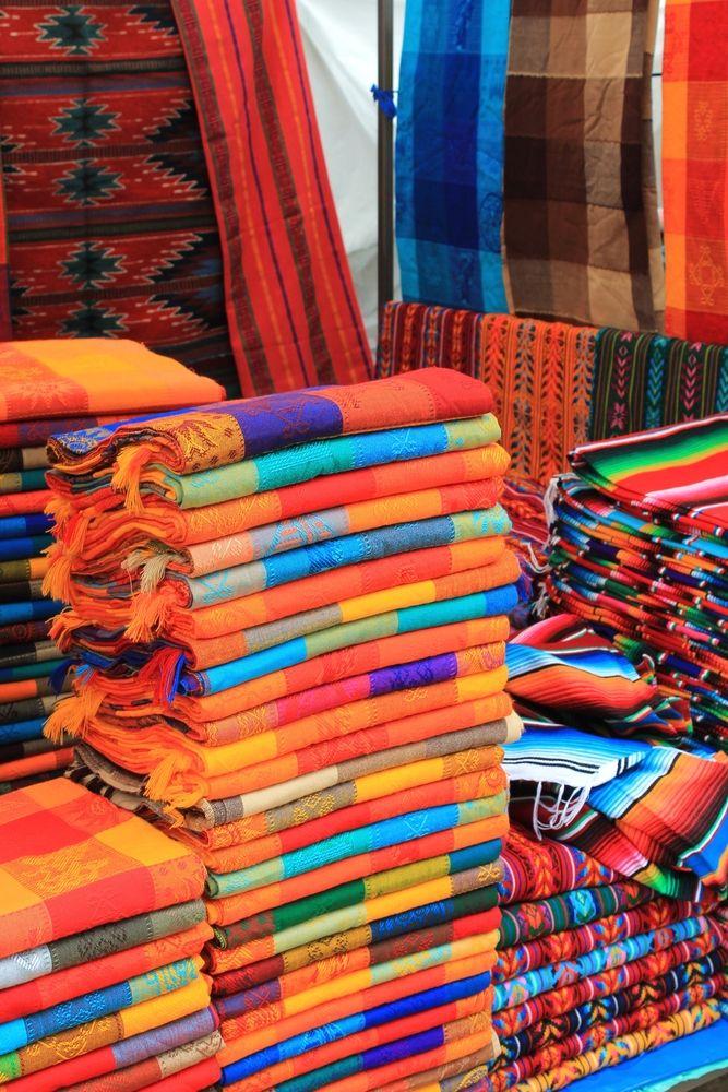 se apilan las telas artesanales en chiapas lugar donde el arte se perfecciona