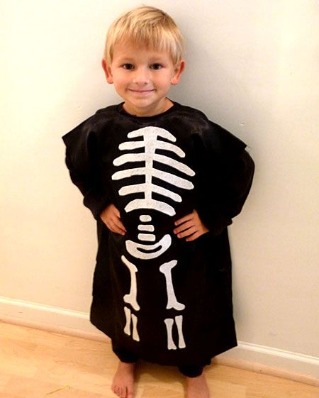 Make a Skeleton Costume from a Pillowcase