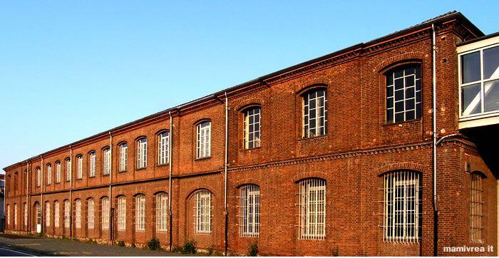 La fabbrica dai mattoni rossi, Olivetti, Ivrea