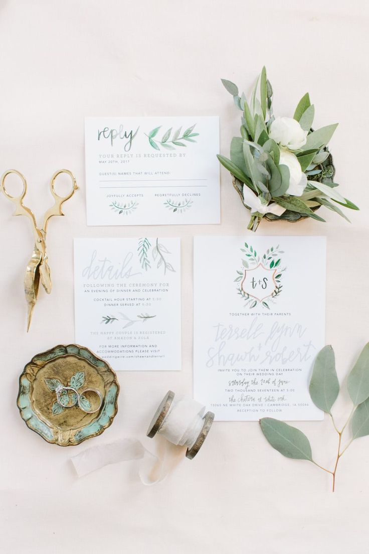 wedding invitation suite with watercolor details | Photography: Mustard Seed Photography