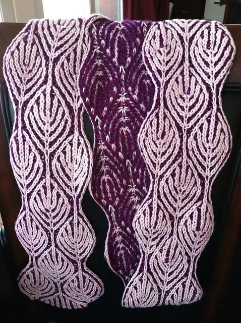 Two Color Knit Scarf Pattern : Ravelry: leyalis Alex Scarf; 2-color scarf pattern from Nancy Marchant