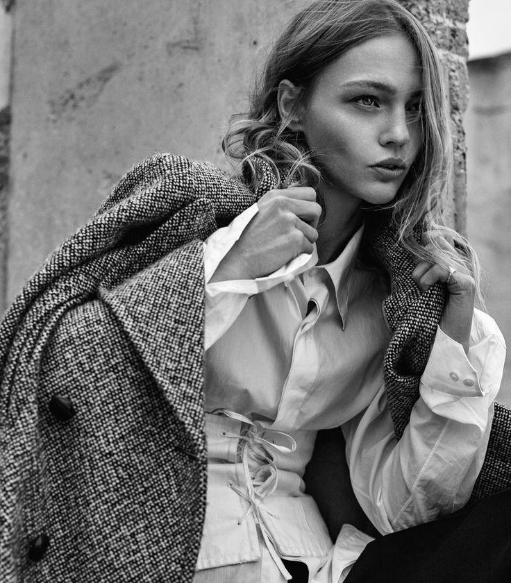 Photography: Gregory Harris Styled by: Géraldine Saglio Hair: James Rowe Makeup: Hiromi Ueda Model: Sasha Pivovarova