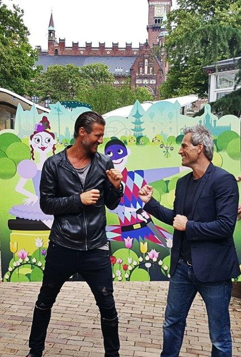Oliver Bjerrehuus and Frederik Fetterlein at the official release of Tivoli Puzzle! download the game from the app store or google play! #tivolipuzzle #tivoligardens #oliverbjerrehuus #frederikfetterlein #mashed #freegame #casualgame #puzzle #ios #android #indiegamedevelopment