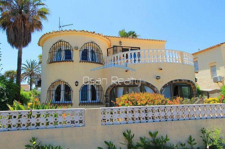 Venta de Chalet en Els Poblets, ELS POBLETS - Primera linea de playa Id:0104204 Chalet independiente,  con 165m²,  3 dormitorios,  buen estado,  2 terrazas,  cocina americana,  piscina,