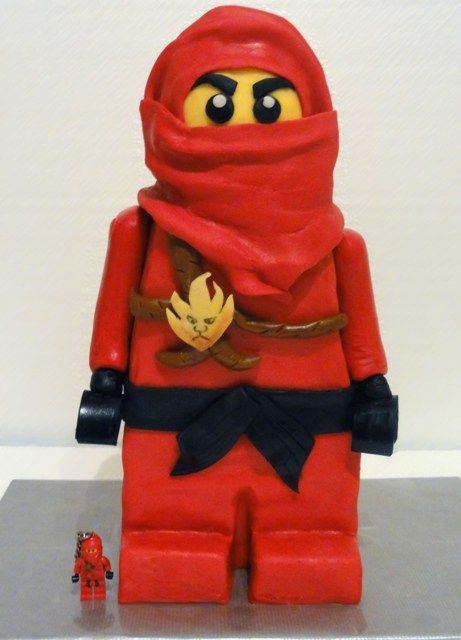 Ninjago Cake.....great....Looks like I will have to get to work on this now for Brodie's birthday in June.