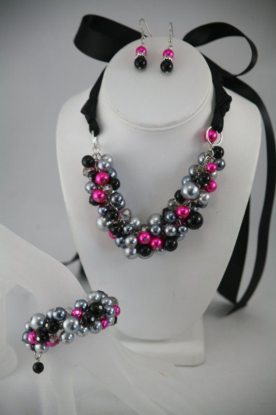 bridesmaid necklace in fuchsia hot pink black a by bazinedezine
