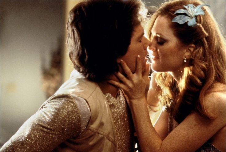 Boogie Nights - Mark Wahlberg, Julianne Moore