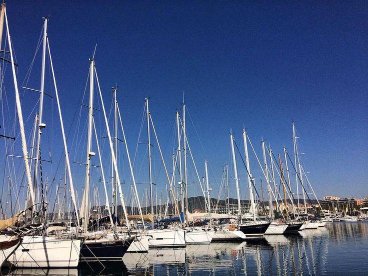 Port de Mataró a primera hora del matí un espectacle que no necessita filtres  #port #puerto #mar #mediterranean #vaixells #boat #spring #goodmorning #vela #sailing #sailingboat #calm #nofilters #Mataró #igersmataro #igersmaresme #catalunyaexperience #barcelonaesmoltmes