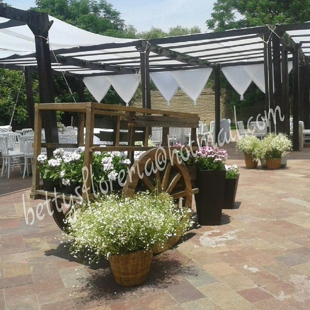 #Haciendalaescoba#carreta#nube#flores #decoracion#campestre#ruinas#pergolas#boda#nube