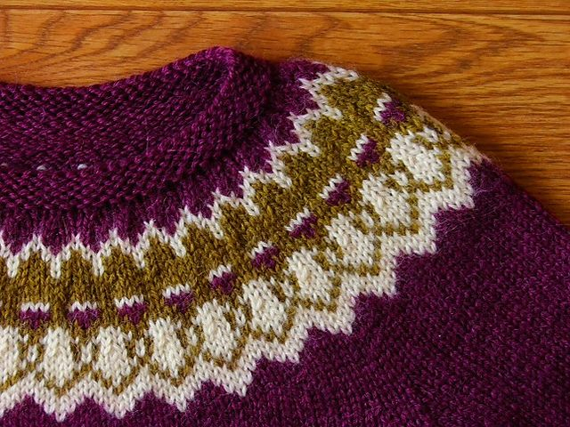Ravelry: Project Gallery for Strokkur pattern by Ysolda Teague