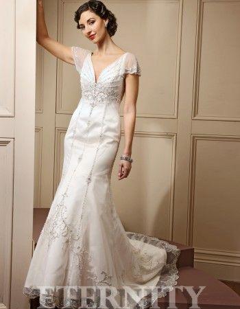 Rochie de mireasa din tul si aplicatii de cristale, stil A, model D5083 - Magazin Bella Sposa