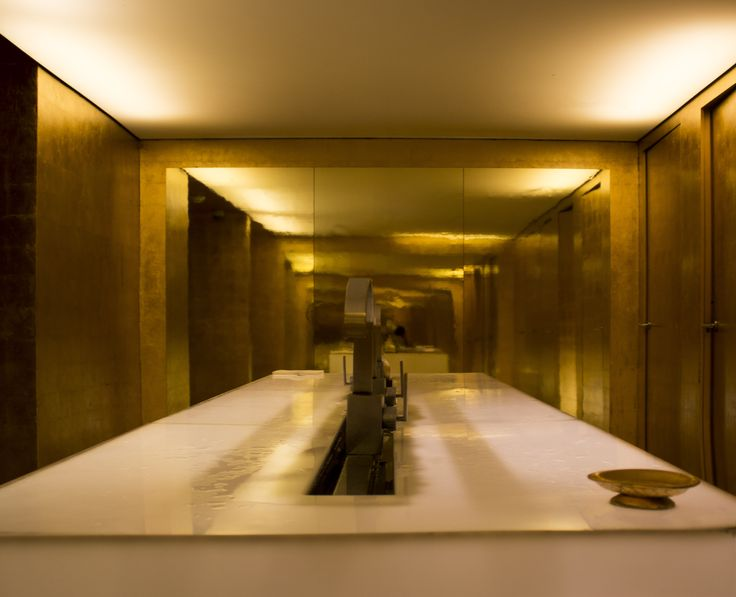 Taking Golden Bathrooms to a whole new level / Modern Golden Bathroom / Lobby Bathroom