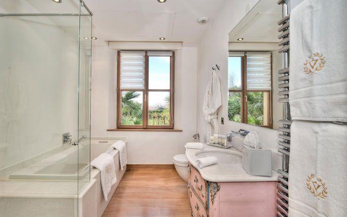 Les 25 meilleures id es de la cat gorie carreaux de for Eclairage salle de bain sans fenetre