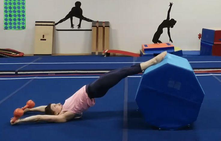 Тренировка гимнасток скрытой камерой
