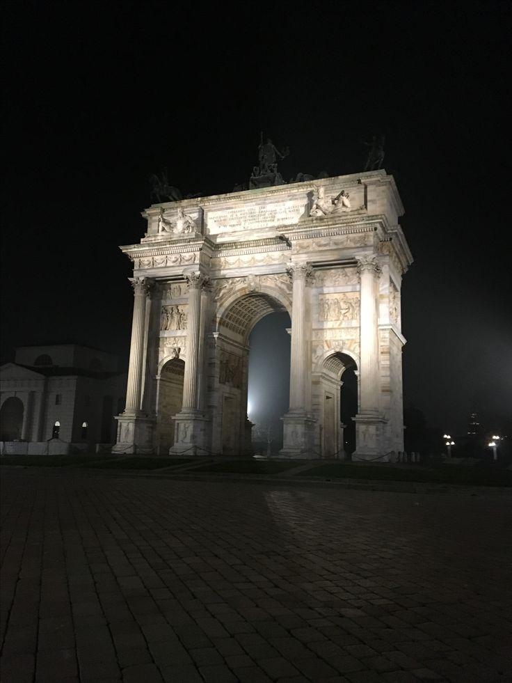 Finally we have the light! #arcodellapce #milano #italia #bhangrabar