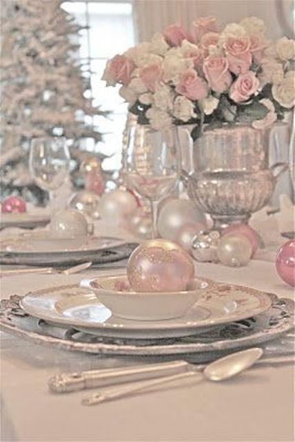 25 Glamorous Pastel Christmas Décor Ideas | DigsDigs