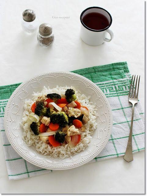 Gizi-receptjei.  Várok mindenkit.: Zöldséges pulykamell rizzsel.