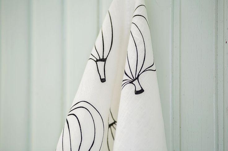 Kuoret (Peels) tea towel. Design by Riikka Kaartilanmäki 2012.