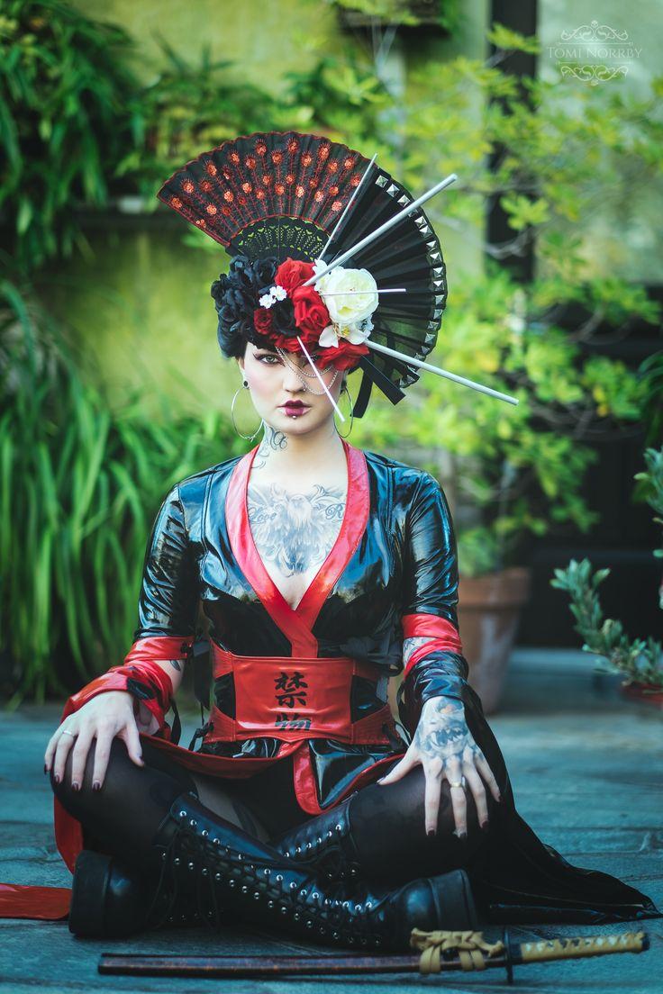 Tattooed Alternative Model  Model: Nina Nonstopable Photo: Tomi Norrby Photography Headpiece: Ladybirdylicious Dress: Lip Service Wig: Lockshop