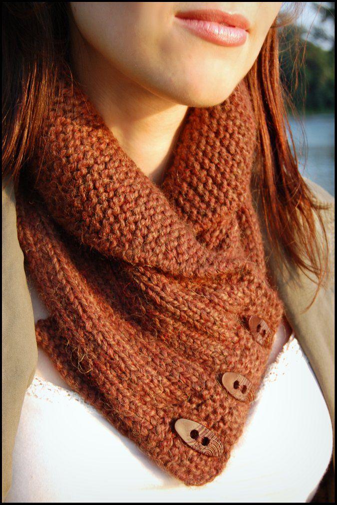 Button knit scarf
